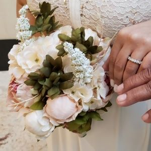 Accessories - Beautiful Peony Wedding bouquet